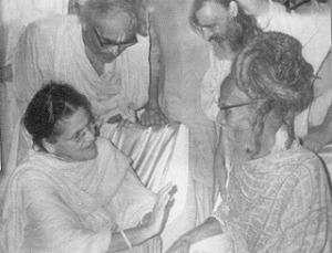 Sri Sitaramdas Omkarnath with Sri Anandamayi Ma